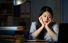 Ngủ nhiều giờ đồng hồ mà vẫn cảm thấy kiệt sức, bạn có thể gặp phải một loạt vấn đề sức khỏe sau