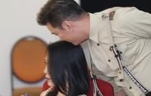 Đàm Vĩnh Hưng âu yếm hôn lên tóc Mỹ Tâm trong buổi ghi hình show thực tế mới