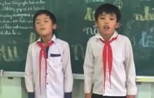 Clip: Hai chú bé quàng khăn đỏ đọc rap về bạn bè thầy cô trong ngày bế giảng
