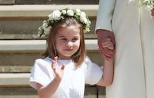 """Mới 3 tuổi nhưng Công chúa Charlotte đã """"vượt mặt"""" anh trai về sức ảnh hưởng trong ngành thời trang"""