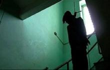 Cãi nhau với người yêu, nam thanh niên khóa mình trong phòng rồi được phát hiện tử vong trong tư thế treo cổ