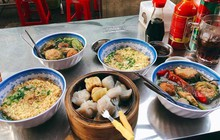 """""""Ăn không kiểm soát"""" với vô vàn món độc đáo ngay tại con hẻm lâu đời ở quận 5 Sài Gòn"""