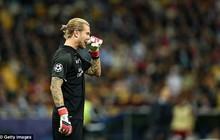 """Karius mắc 2 sai lầm ngớ ngẩn nhất lịch sử Champions League, bị fan """"ném đá"""" tơi tả"""