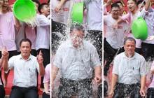 """Chơi té nước trong ngày bế giảng, tập thể lớp 12 quyết định """"ép"""" thầy chủ nhiệm chơi cùng cho đáng nhớ"""