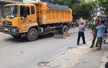 Hà Nội: Nam thanh niên tử vong thương tâm khi bị xe tải kéo lê dưới gầm gần 20 mét