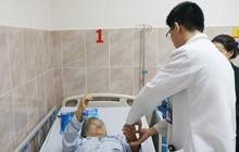 Bến Tre: Cụ bà 72 tuổi đau cột sống dữ dội, suýt liệt 2 chân vì khối u tủy rất hiếm gặp