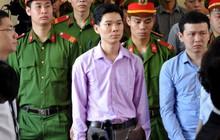 """Chánh án Nguyễn Hòa Bình ấn tượng về câu hỏi """"tòa án lương tâm"""" vụ bác sĩ Hoàng Công Lương"""