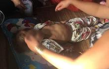 """Vĩnh Long: Bé gái 4 tuổi bị bạn của bố dùng tay đánh đập xuống nền gạch đầu tử vong, hung thủ bị điều tra về hành vi """"Cố ý gây thương tích"""""""