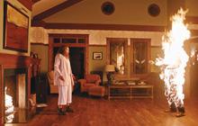 Khám phá nỗi ám ảnh của Hollywood với những căn nhà ma ám