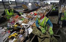 """""""Đại hồng thủy"""" rác nhựa nhấn chìm thế giới"""