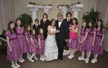 """Tình tiết mới vụ án """"13 đứa trẻ nhà Turpin"""": Các nạn nhân phải ăn bánh quy mốc hàng ngày, bị bóp cổ và tra tấn vì nghe nhạc Justin Bieber"""