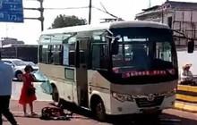 Trung Quốc: Đâm chém loạn xạ từ xe buýt xuống đường phố