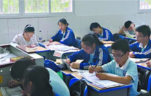 """Ám ảnh kinh hoàng của học sinh: Mẹ """"trực thăng"""" ngồi học cùng con 3000 tiết để thấy sự thay đổi trong thái độ làm bài tập về nhà"""