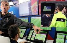 """Cựu chủ tịch FIFA cực kỳ khó chịu về công nghệ VAR: """"Dùng nó là quá vội vã, không khôn ngoan chút nào!"""""""