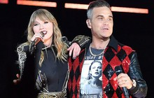 Robbie Williams bất ngờ song ca cùng Taylor Swift sau scandal giơ ngón giữa ở World Cup