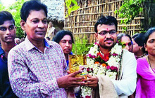 Ấn Độ: Bị bố vợ ép phải lấy quà cưới, chú rể không thích tiền nên chỉ xin 1000 cây giống phát cho cả làng cùng trồng