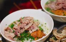 Ở Hà Nội buổi đêm thức khuya mà thèm phở thì đến đâu ăn?
