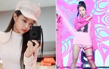 Dị biệt như stylist của Black Pink: cặp tóc bằng kẹp giấy, áo váy nhuộm tùm lum, chân váy chế thành váy quây