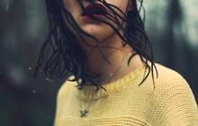 Hà Nội lại mưa dài ngày, cẩn thận quần áo ngấm mưa có thể gây ra 4 vấn đề sức khỏe tai hại sau