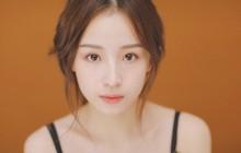 """""""Thánh nữ"""" giới streamer Trung Quốc: Sở hữu vẻ đẹp mong manh và giọng hát cực hay hút 4 triệu fan"""