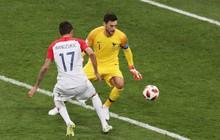 Phạm sai lầm cực ngớ ngẩn, thủ môn Pháp mất danh hiệu cá nhân lớn nhất đời