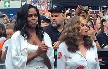 Bà Michelle Obama quẩy hết mình tại nhạc hội tại Paris của Jay-Z và Beyonce, tiện thể ăn mừng chiến thắng của đội tuyển Pháp