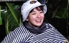 Chẳng cần son phấn, Seulgi (Red Velvet) lấy luôn... than để trang điểm