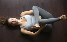 Bạn thường xuyên bị mất ngủ, hãy lưu ngay những bài tập yoga này để nhanh chóng có được giấc ngủ ngon