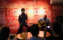 Học tiếng Anh, nghe acoustic miễn phí ngay quán cà phê cực xinh tại Sài thành