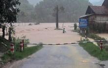 Quảng Ninh: Mưa lũ gây ngập và mất điện nhiều nơi, gần 200 hộ dân bị cô lập vì lũ
