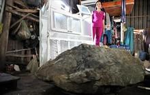 """Đá đè nát nhà dân ở Kiên Giang: """"Tôi chỉ kịp ôm đứa con chạy ra ngoài trước khi tảng đá ập xuống"""""""