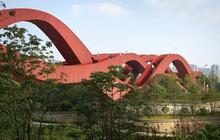 Bên cạnh cầu Vàng Đà Nẵng, còn có 5 cây cầu khác khiến cả thế giới thích thú vì thiết kế độc đáo, ấn tượng
