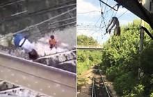 Video: Chụp ảnh tự sướng, bé gái rơi xuống đường dây điện cao thế 3.000 volt