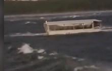 Thảm kịch lật tàu du lịch ở Mỹ: 17 người chết, 9 người tới từ một gia đình