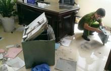Trộm viếng thăm, cuỗm 100 vòng vàng ở cửa tiệm vùng ven Sài Gòn