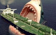 Liệu ngoài đời thật siêu cá mập Megalodon có thể cắn gãy đôi một chiếc thuyền nặng hàng tấn không?