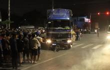 Bình Dương: Người phụ nữ chạy xe máy bị cuốn vào gầm xe tải, tử vong tại chỗ