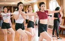 Thí sinh hai miền của Hoa hậu Việt Nam 2018 lần đầu hội ngộ, ráo riết tập luyện cho vòng Chung kết