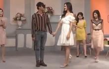 Một tháng trước khi đăng clip khoá môi, bạn gái Trọng Đại vẫn nắm tay người khác trong show hẹn hò