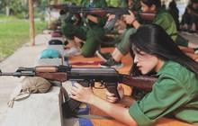 """Hội hot girl quân sự: Thêm một nữ sinh nữa được hỏi xin """"info"""" nhờ góc nghiêng thần thánh!"""