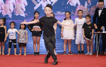 """BGK làm việc liên tục 10 tiếng tuyển chọn 102 vũ công nhí tại """"Sắc Màu Tuổi Thơ"""" mùa 3"""