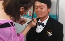 Chú rể nuốt nước mắt nhìn cô dâu qua đời ngay trong ngày cưới