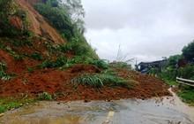 Mưa do bão số 4, nhiều tuyến đường ở Thanh Hóa sạt lở