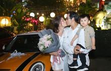 Ngọc Lan vỡ oà hạnh phúc, hôn ông xã đắm đuối khi được tặng ô tô tiền tỷ trong tiệc sinh nhật