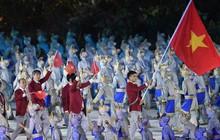 """""""Hot boy đấu kiếm"""" Vũ Thành An cầm cờ cho đoàn TTVN diễu hành tại lễ khai mạc ASIAD 2018"""