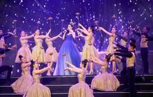 Clip: Đỗ Mỹ Linh diện váy lộng lẫy như công chúa, hát mở màn Gala 30 năm Hoa hậu Việt Nam