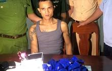 Truy đuổi 20km, bắt nam thanh niên vận chuyển 5.800 viên ma túy