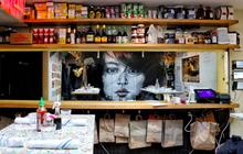 Giữa lòng thành phố New York hiện đại có những quán ăn đã ghi dấu ấn cho ẩm thực Việt