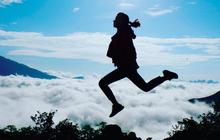 """""""Săn mây"""": Khi người trẻ chạy đua cùng mặt trời rồi vỡ oà khi đứng trước biển mây đẹp như tiên cảnh"""