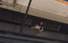 Mỹ: Người đàn ông điên cuồng tấn công hành khách chờ tàu điện ngầm, xô ngã hai phụ nữ xuống đường ray khi tàu đang vào bến